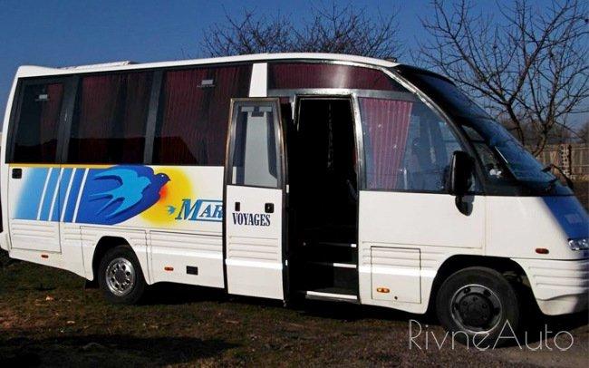 Аренда Автобус Mercedes Mago на свадьбу Рівнe